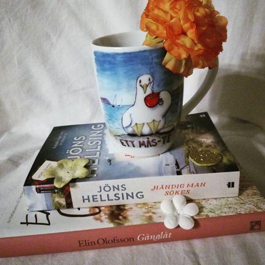 Mycket ovanligt att jag kommer ut från bokhandel med annat än böcker. Men denna mugg var ett mås-te! #tealoversunite #mås-te #bookstagram